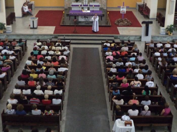 Pe. Serginho visita o Grupo de Oração Canaã