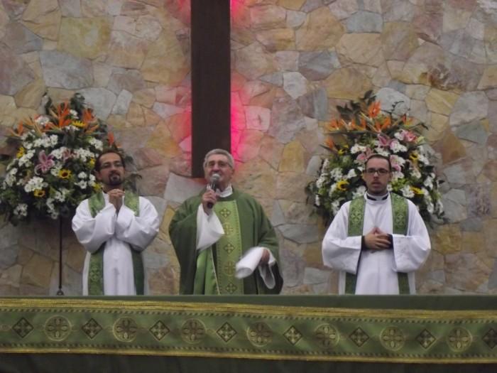 Missa e momento de oração com Pe. Serginho