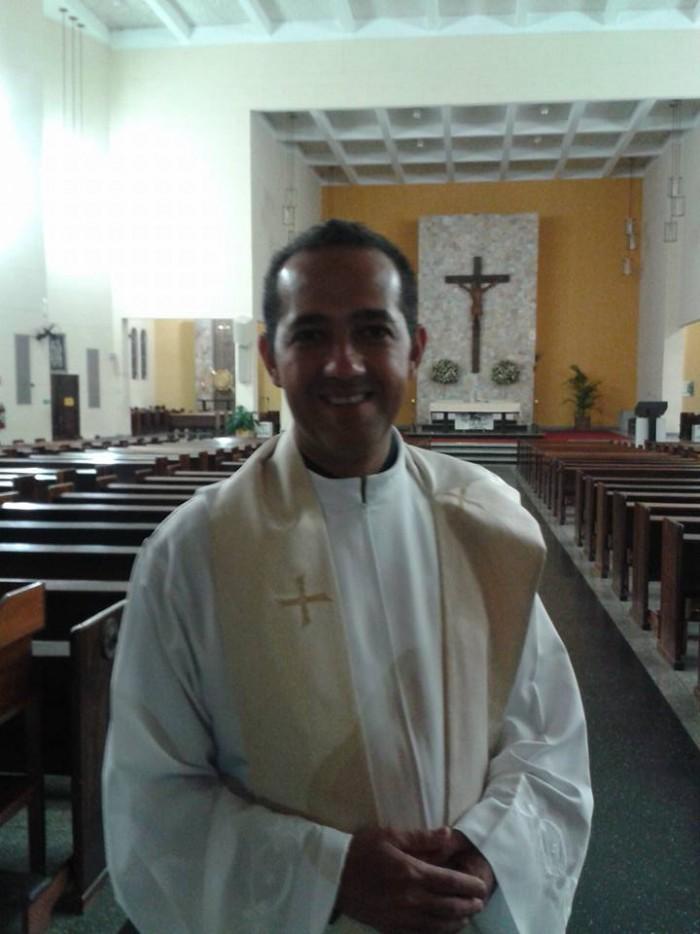 Aniversário do Reitor e Pároco do Santuário Pe. Marcos Queiroz