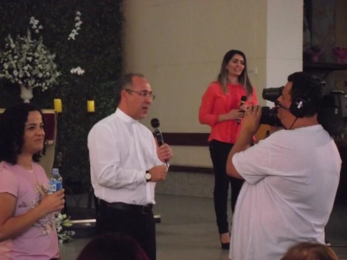 Programa Juntos Somos Mais transmitido ao vivo pela TV Canção Nova