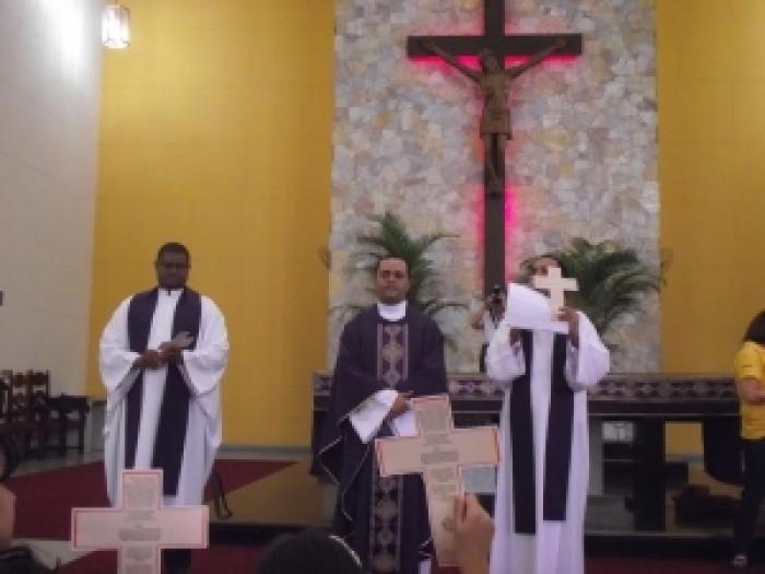 Missa Com Equipe Missionária E Cruz Dos 75 Anos Do Santuário