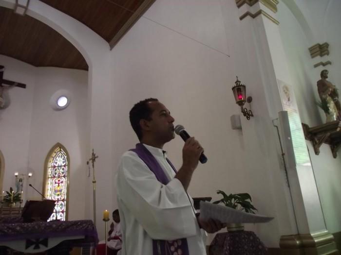 Pe. Marcos Queiroz e sua última celebração na Capela Santa Cuz